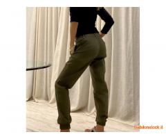 Pantaloni cargo e chinos
