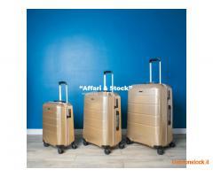 stock di 1300 valigie a 60 per ogni tris di valigie