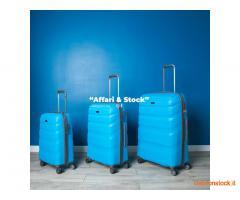 Stock di 1300 valigie di vari modelli e colori